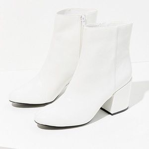 NWOT UO Margot Patent White Boots